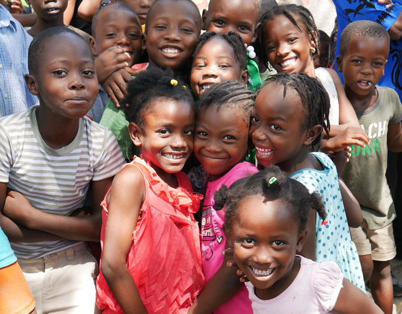 A group of children from Simon Pele