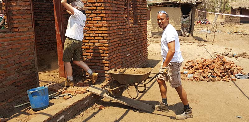 corporate volunteers making a difference in Africa