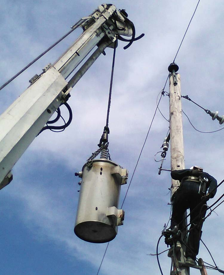 installing electrical transformers in port au prince Haiti simon pele