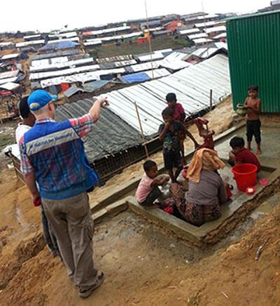Habitat officer helps Rohigya refugees
