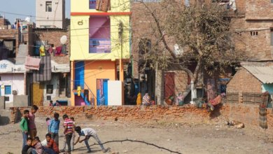 children in an indian urban area