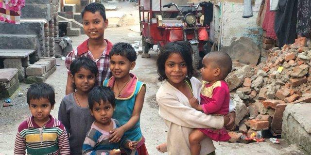 india slums urbanisation children