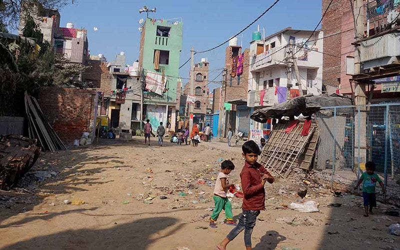 children in india's slums